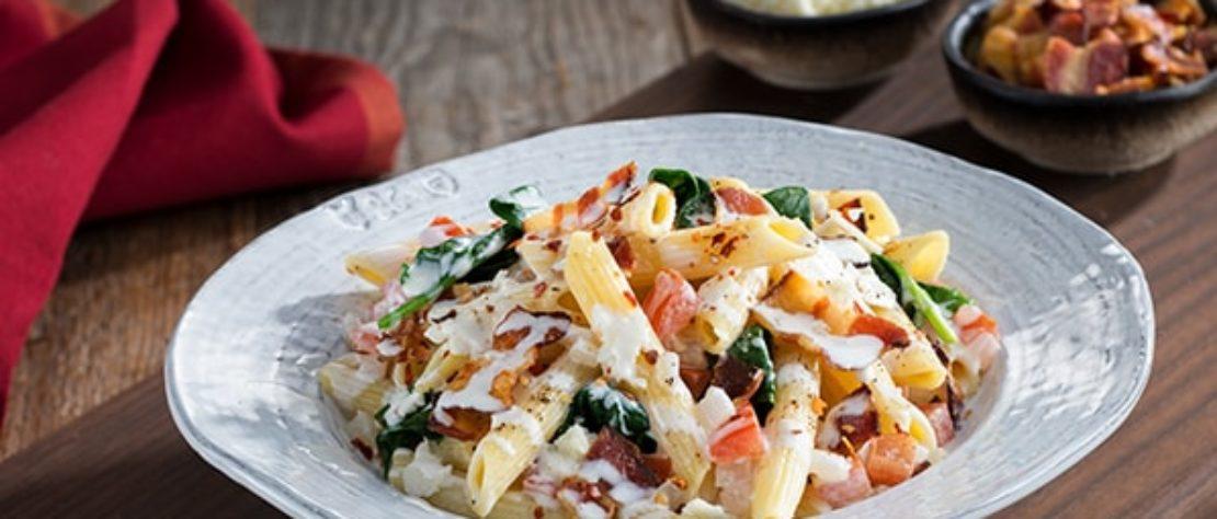 Pasta con Tocino, Tomate y Espinaca
