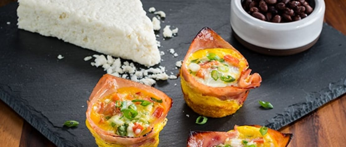 Huevos a la Mexicana en Tacitas de Jamón